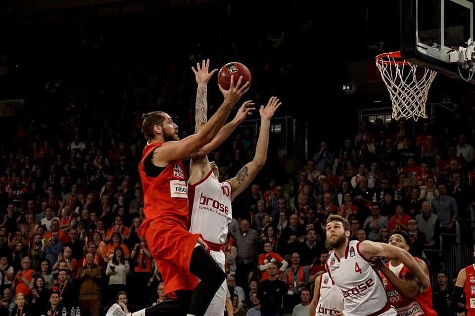 Campionati Europei 2016-17: Real ed Efes in fuga, sorpresa Ulm, crisi Maccabi