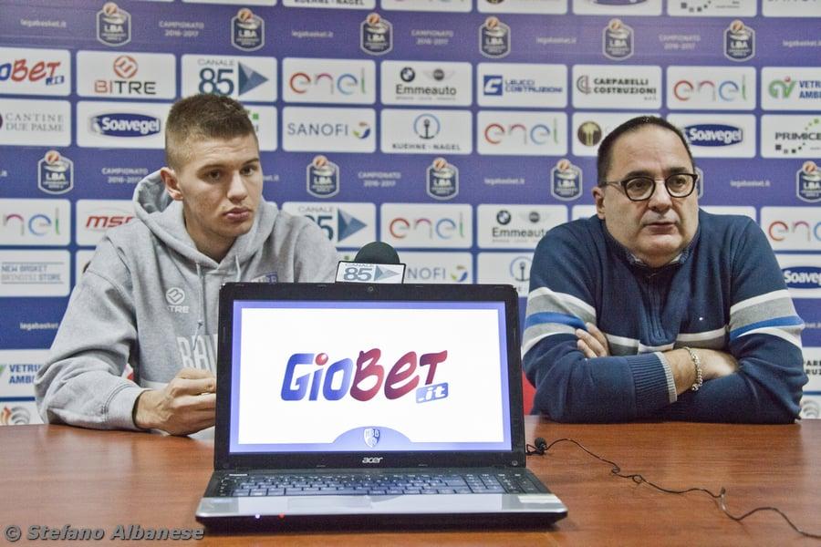 Lega A PosteMobile 2016-17: L'Enel Basket Brindisi presenta Blaz Mesicek (Video)