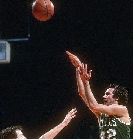 Storie di basket: il primo tiro da tre punti ha compiuto cinquant'anni