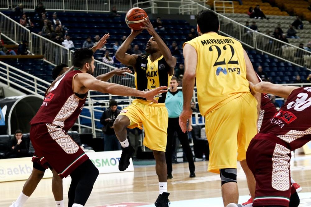 Basketball Champions League 2017-18: fatale 3° quarto per la Reyer Venezia che ne prende 20 ad Oaka vs l'AEK
