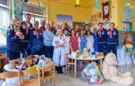 Lega A PosteMobile 2017-18: i Giganti della Dinamo Sassari in visita alla Clinica Pediatrica dell'Aou
