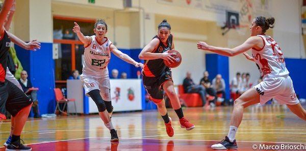 Lega A2 Basket Femminile girone Nord 2017-18: grande GEAS che passa anche in casa del Costa Masnaga e si tiene il primo posto al termine dell'andata