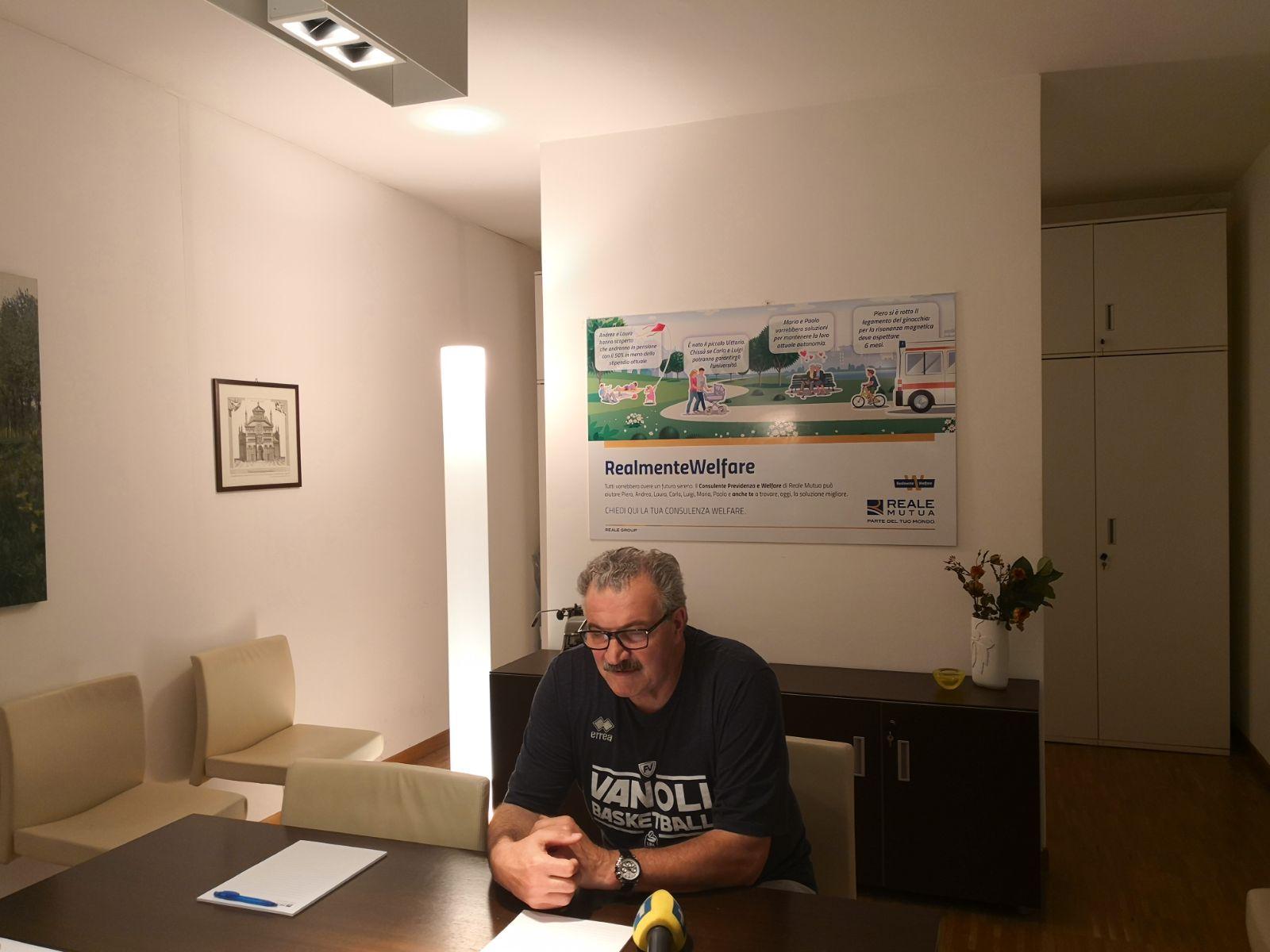 Lega A PosteMobile 2017-18: coach Meo Sacchetti della Vanoli Cremona presenta il recupero di mercoledì 18 al PalaBigi di Reggio Emilia