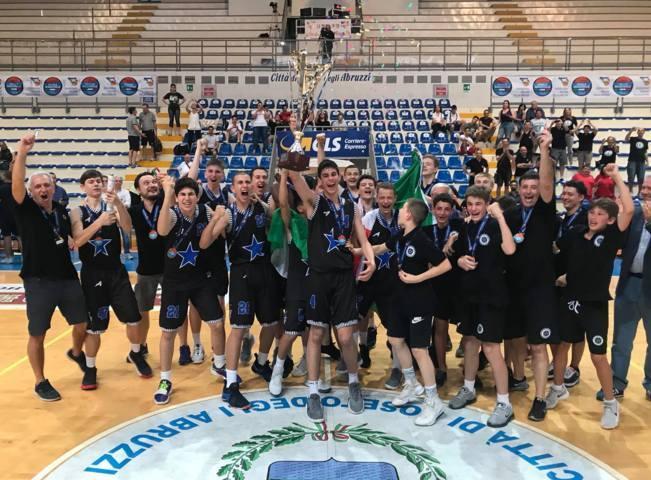 Giovanili Maschili 2017-18: la Stella Azzurra Roma U15M si conferma campione d'Italia battendo in finale Oxygen Bassano 69-66