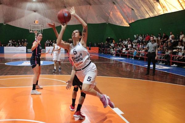 Lega A2 Femminile girone Sud VII^ 2018-19: il Gruppo Stanchi Athena sul campo della Cestistica Savonese a caccia dei primi due punti fuori casa