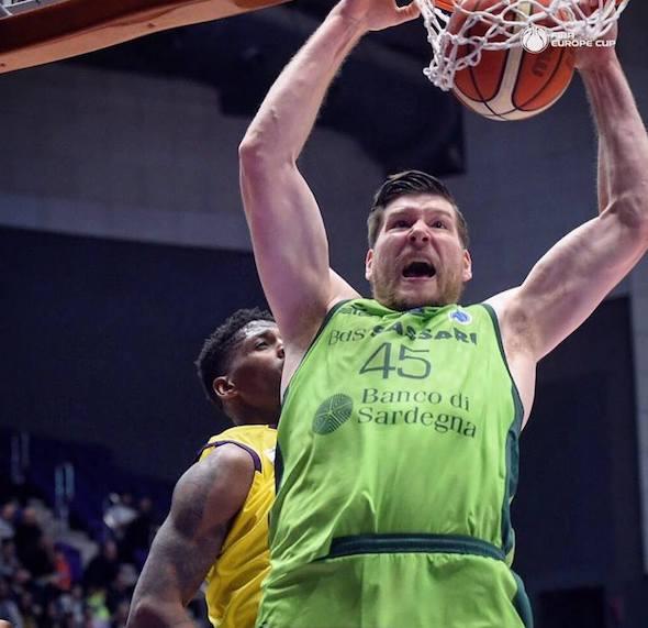 FIBA Europe Cup 1/2 andata 2018-19: il Banco di Sardegna vince benissimo in casa dell'Unet Holon nella partita senza difese