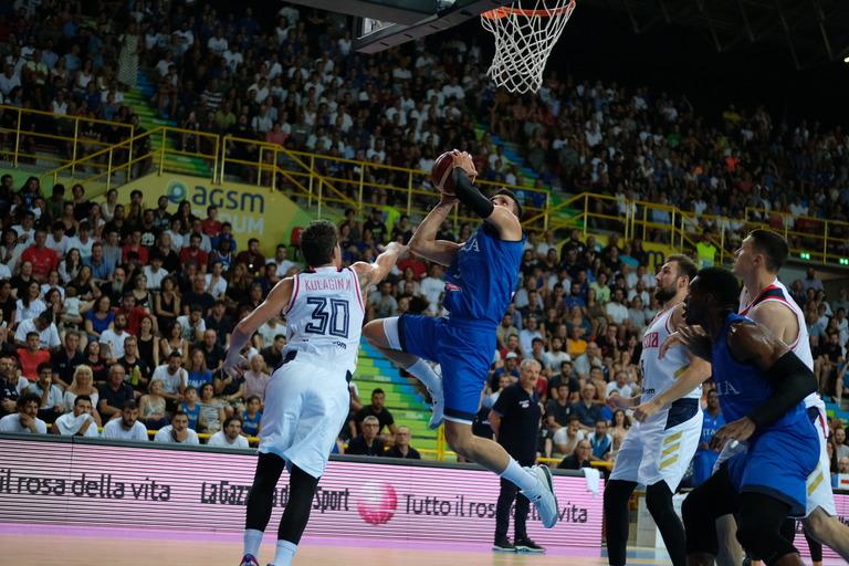 FIBA World Cup 2019: a Verona l'Italbasket spreca nel finale e viene beffata dalla Russia