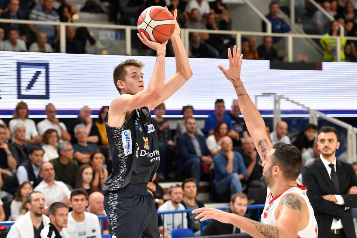 Legabasket LBA 1^giornata 2019-20: il debutto è appannaggio della Dolomiti Energia Trentino che supera Pistoia 88-75