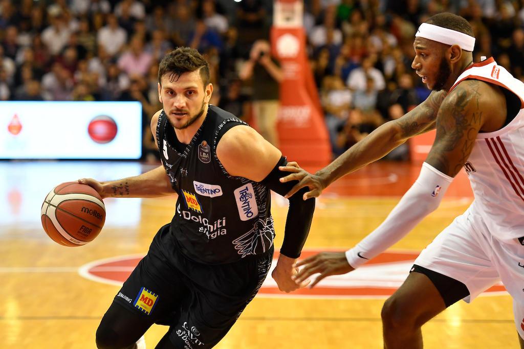 Legabasket LBA 2^ giornata 2019-20: passa a Reggio Emilia la Dolomiti Energia Trentino di Blackmon e Gentile