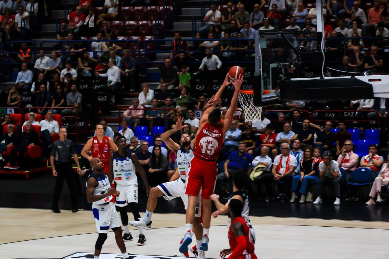 Legabasket LBA 2019-20 2^giornata: una Olimpia congelata al tiro cade contro la Germani Basket Brescia nel suo debutto casalingo
