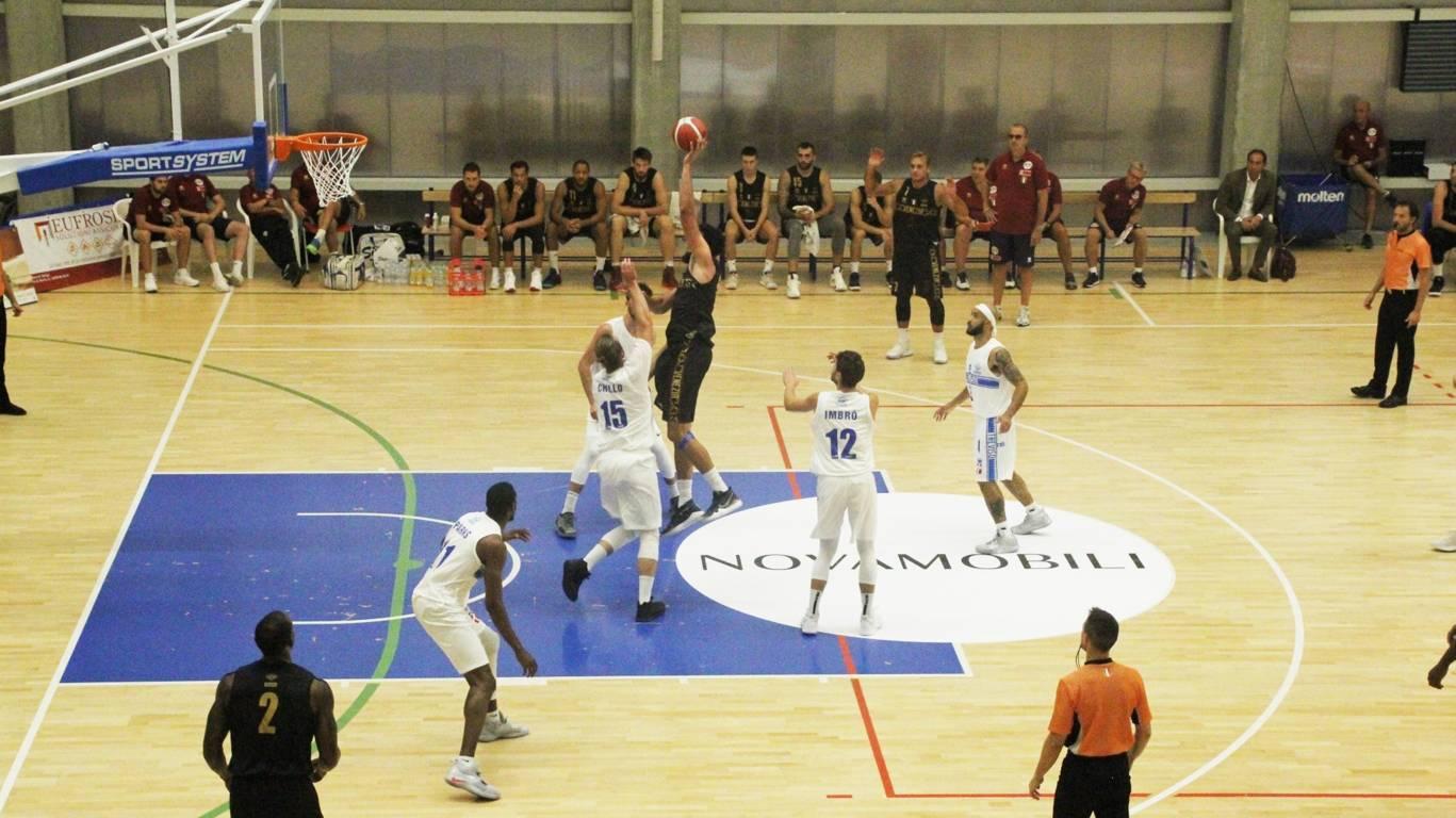Legabasket LBA precampionato 2019-20: l'Efes si prende la rivincita vs Sassari mentre il derby veneto va alla Reyer su Treviso