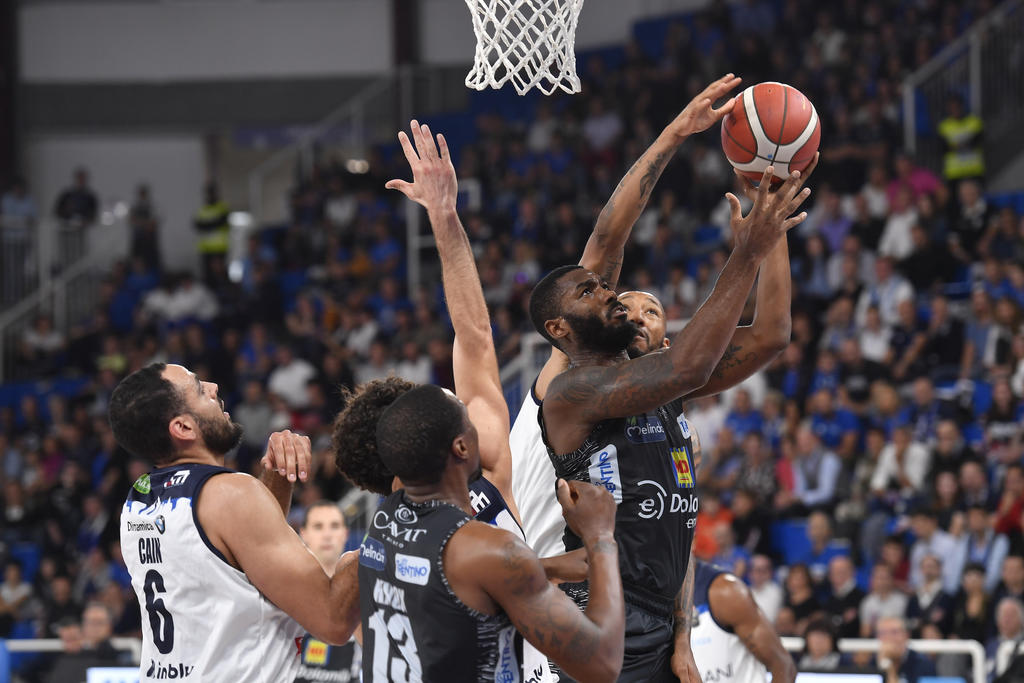 Legabasket LBA 4^giornata 2019-20: la Germani Basket Brescia spazza via Trento nel terzo periodo vincendo poi 92-66