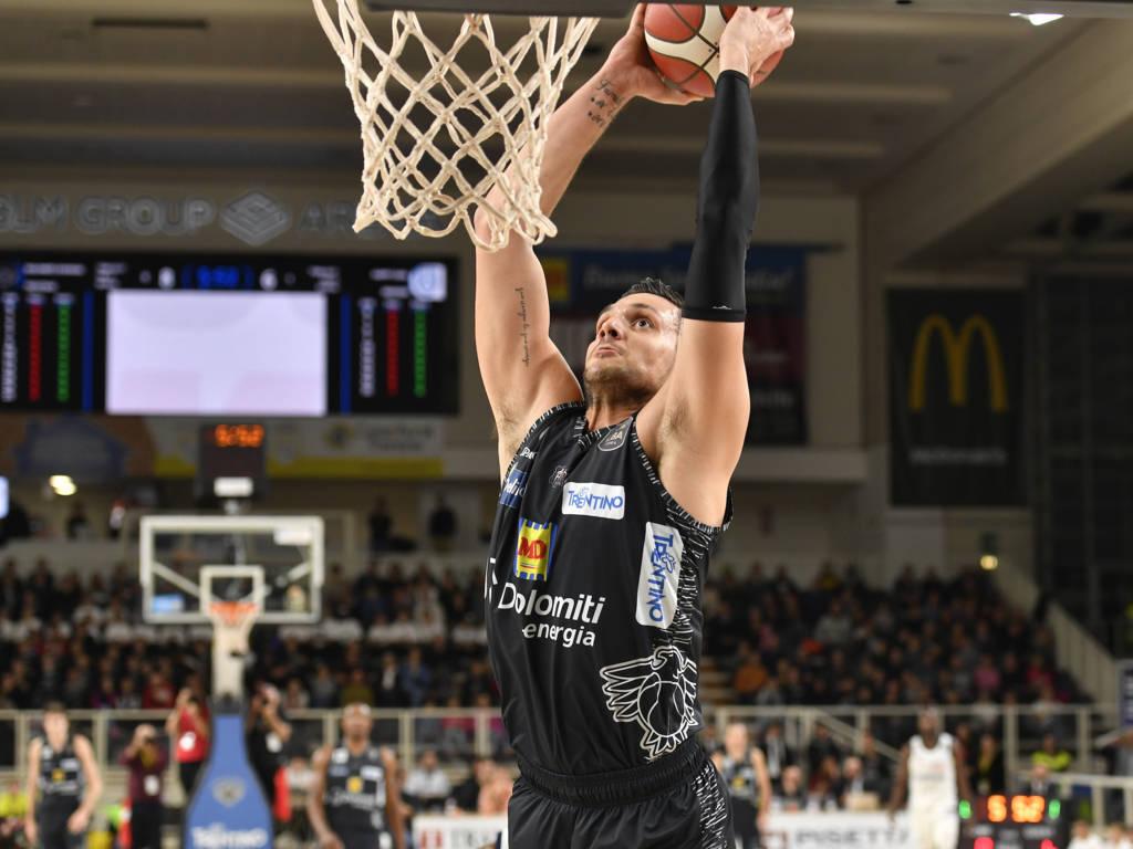 Legabasket LBA 11^andata 2019-20: nell'anticipo del sabato sera torna alla vittoria Trento che batte Brindisi 78-67