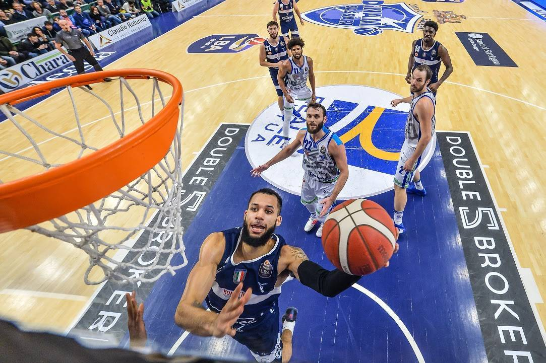 Legabasket LBA 13^andata 2019-20: #LunchMatch intenso a Sassari, vince la Dinamo vs un'ottima Fortitudo per 86-80