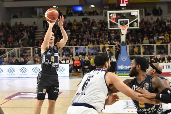 LBA Legabasket 4^ritorno 2019-20: Craft conduce la Dolomiti Energia Trentino alla vittoria sulla Germani Brescia