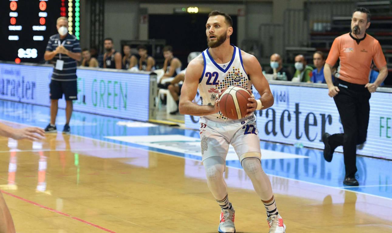 LBA Legabasket Mercato 2020-21: Stefano Gentile resta a Sassari fino al 2023 mentre a Trieste problemi per Henry e Graziulis