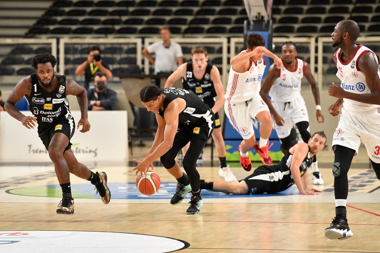 LBA Legabasket 2^ andata 2020-21: l'anticipo del sabato sera è a Trento tra Dolomiti Energia Trentino e UnaHotels Reggio Emilia