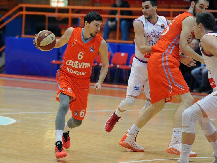 LBA Unipolsai Mercato 2020-21: la Dinamo Sassari insiste nella linea dell'est ingaggiando il play croato Toni Katic