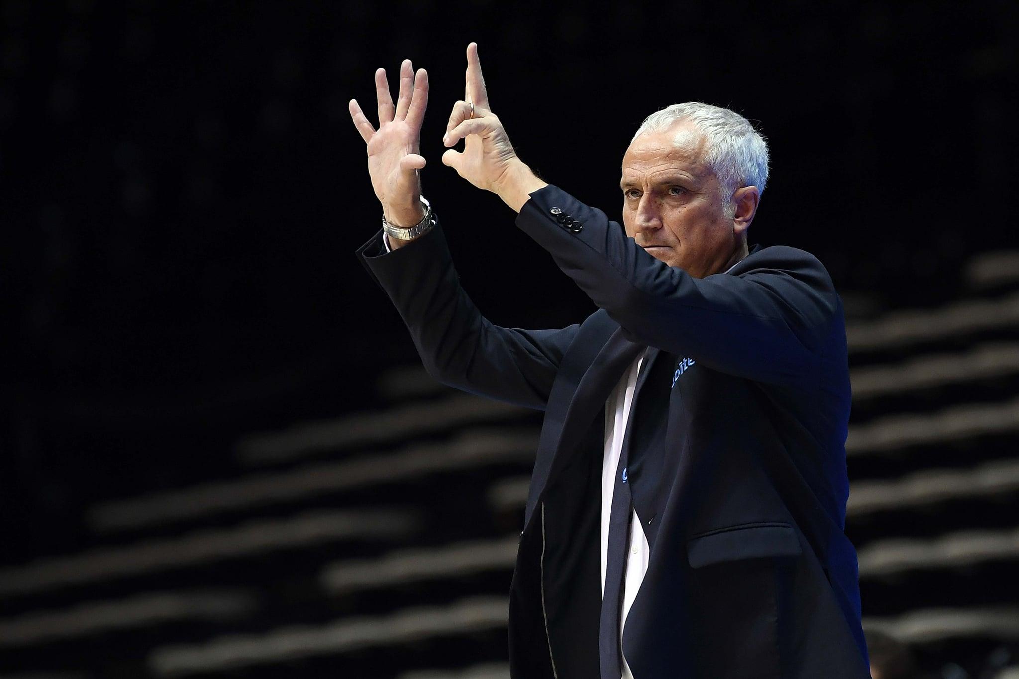 Storie di basket 2020-21. Cantù esonera Cesare Pancotto, il veterano delle panchine in LBA. La videobiografia di Vanni Zagnoli
