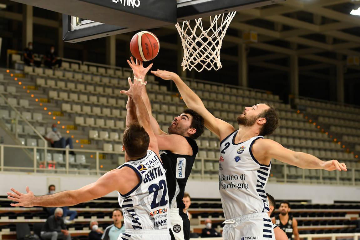 LBA UnipolSai preview 7^ ritorno 2020-21: la Dinamo Sassari vuole riprendere a vincere ma la vittoria serve anche la Dolomiti Energia Trentino per allontanarsi dal fondo della classifica