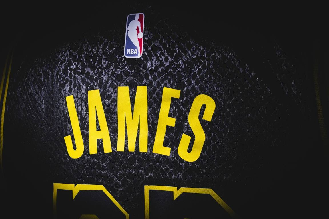 NBA 2021-22: la nuova stagione NBA che inizia tra meno di un mese con Lakers e Nets favoriti ma Bucks, Warriors e Suns?